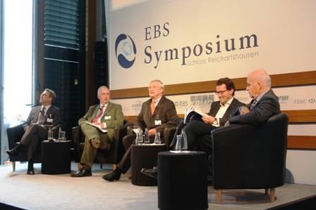 Talkrunde mit Networking-Möglichkeit danach für die Studis (Foto: NN/ European Business School )