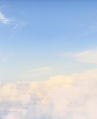 Hoch, höher am höchsten. Ein Traum, mit dem viele Glückspiel-Anbieter punkten wollen... (Foto: Sergey Nivens/ Shutterstock)