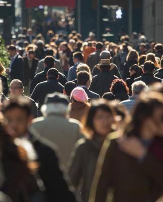 Ein Gehalt für alle, jeden Monat aufs Neue? Das schafft neue Anreize... (Foto: blvdone/ Shutterstock)