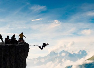 Die Verlagswelt ist mitten im Veränderungsprozess - dennoch wagen manche den Absprung als Einzelunternehmer. Mit Erfolg... (Foto: Alexei Zinin/ Shutterstock)