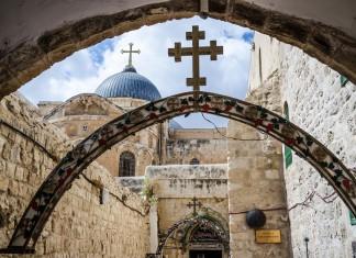 Steine für die Ewigkeit, in diesem Fall die Grabeskirche in Jerusalem... (Foto: Rafal Kubiak/ Shutterstock)