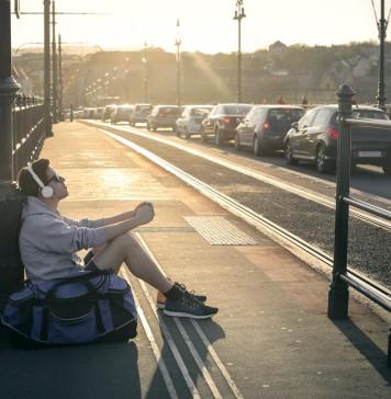 Zug verpasst? Auto nicht vor Ort? Mietwagen gibt's auch noch (Foto: Ollyy/ Shutterstock)
