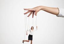 Kontrolle - in bestimmten Situationen fällt uns das leichter als in anderen (Foto: ArtFamily/ Shutterstock)