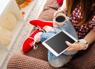 Mal auf nen Kaffee treffen? Networking über soziale Netzwerke (Foto: kozirsky/ Shutterstock)