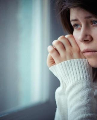 Es kann jede(n) treffen! Depression - Ursachen, Symptome und Behandlungsmethoden (Foto: luxorphoto/ Shutterstock)