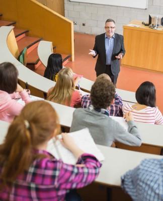 Vorträge, Panels, Seminare - Symposien dienen vor allem dem Networking... (Foto: wavebreakmedia/ Shutterstock)