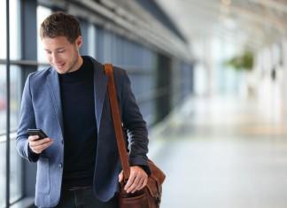 """""""Yes, ich hab' den Job"""" - vom Glück zu arbeiten in einer Zeit, wo es nicht (mehr) für alle Arbeit gibt. Die Digitalisierung verändert alles... (Foto: Maridav/ Shutterstock)"""