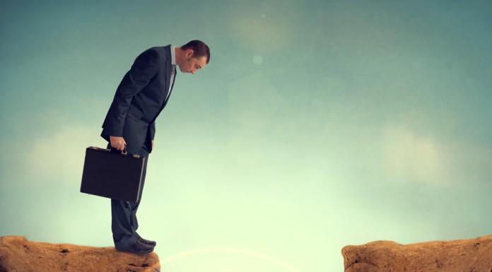 Lücke? Passiert im Lauf des Lebens. Und das Beste daran: Hals- und Beinbruch muss das nicht sein! (Foto: eelnosiva/ Shutterstock)