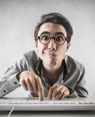 Ich hab's! Vor allem jüngere Leute schauen sich online nach neuen Jobs um... (Foto: Ollyy/ Shutterstock)