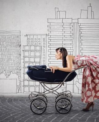 """Kind UND Karriere? Früher galt """"Entweder Oder"""". Heute für viele Eltern (immer noch) ein Dilemma, sich zu entscheiden... (Foto: Ollyy/ Shutterstock)"""