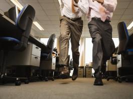 Run durchs Büro, Workaholics im Dauerstress (Foto: Volt Collection/ Shutterstock)