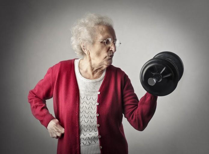 Fit im Alter? Herzlichen Glückwunsch, denn es schaffen nur wenige so fit bis 100 Jahre... (Foto: Ollyy/ Shutterstock)