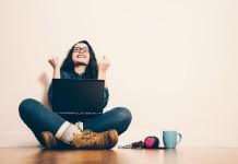 Ich hab's! Linkedin vernetzt Berufstätige (Foto: asife/ Shutterstock)