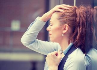 Wächst dir alles über den Kopf, Kopfschmerzen? Das muss nicht so bleiben... (Foto: ESB Professional/ Shutterstock)