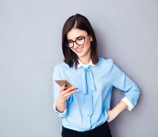 """Befördert, den nächsten Kunden der """"angebissen"""" hat? Frauen machen Karriere, nur (etwas) anders als Männer und nicht so wie Männer manchmal denken... (Foto: ESB Professional/ Shutterstock)"""