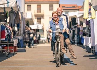 Die haben gut lachen - viele Jugendliche wandern aus Südeuropa in den Norden ab... (Foto: View Apart/ Shutterstock)