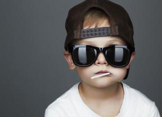Jung und ohne Job? Früh übt sich... (Foto: Eugene Partyzan/ Shutterstock)