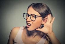 """""""Hääähhh? Was hast du gesagt..."""" - Sprache im Alltag (Foto: pathdoc/ Shutterstock)"""