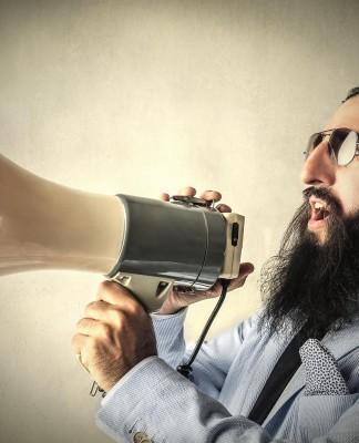 Einfach mal die Klappe aufmachen statt in den A... zu kriechen, manchmal wirklich angebracht! Eben, manchmal... (Foto: Ollyy/ Shutterstock)