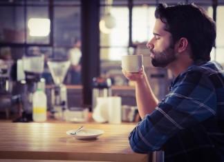 Im Home-Office kommt der Kaffee aus der eigenen Maschine. Und es gibt weitere Vorteile! (Foto: wavebreakmedia/ Shutterstock)