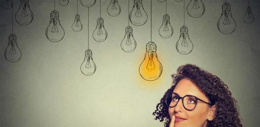 Frei oder doch lieber angestellt? Ein Abwägeprozess mit Chancen und Risiken... (Foto: pathdoc/ Shutterstock)