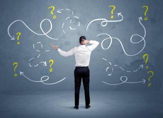 Links oder rechts? Entscheidungen nicht allzu lang hinauszögern... (Foto: ra2studio/ Shutterstock)