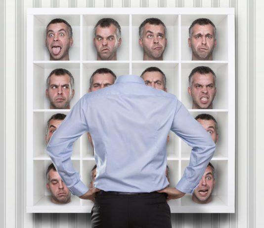 Wer bin ich und wie viele, in welcher Rolle und Funktion? Fragen für Führungskräfte... (Foto: rangizzz/ Fotolia.com)