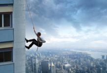 Work-Life, so ganz in Balance? Wer das ernsthaft ausbalancieren will, macht das schnell im freien Fall. Neue Konzepte müssen her... (Foto: alphaspirit/ Fotolia.com)