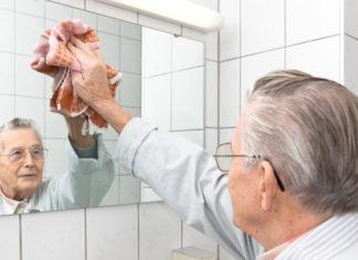 Saubermachen - muss sein, aber nicht jeder in unserer Gesellschaft würdigt diese Arbeit... (Foto: Michael Schütze/ Fotolia.com)