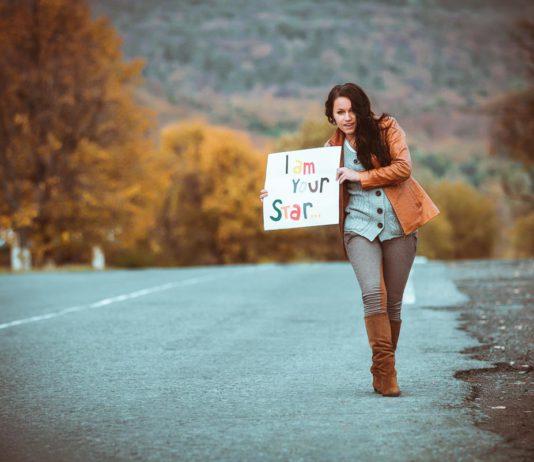 Auf Jobsuche? Viel Erfolg! Die Gründe für den Karrierewechsel können unterschiedlich sein... (Foto: Andriy Petrenko/ Fotolia.com)