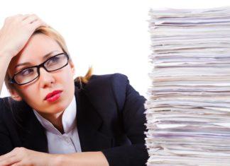 Studieren oder doch lieber eine Ausbildung? Das ist fast schon eine Gewissensfrage (Foto: Elnur/ Fotolia.com)