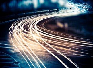 Schnell, schneller am schnellsten. Unsere Zeit ist schnelllebig, selten waren wir so unter Strom. Wie gehen wir damit um? (Foto: ssguy/ Shutterstock)
